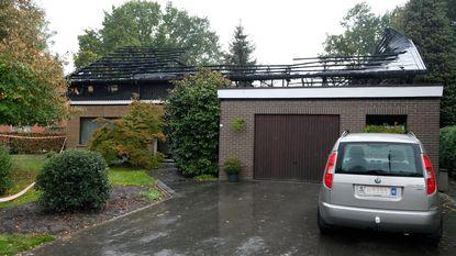 Woning verwoest door zware dakbrand