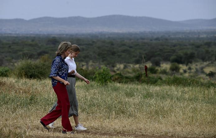 En juin, la princesse Elisabeth a effectué sa première mission officielle à l'étranger en accompagnant sa mère, la reine Mathilde, au Kenya.
