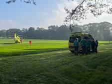 Motorcrosser gewond na ongeluk tijdens training in Holten, traumahelikopter opgeroepen
