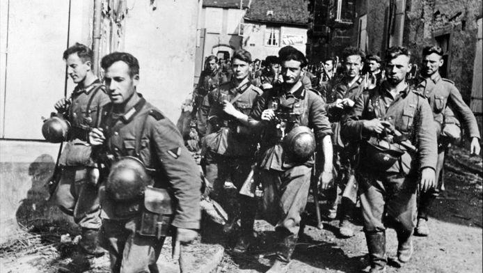 Fantassins allemands pendant l'invasion de la France en juillet 1940.