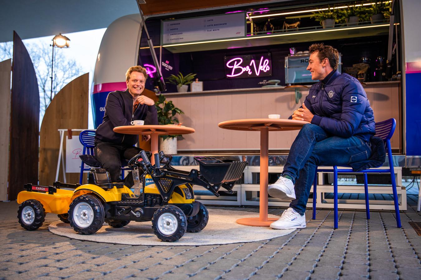 Yves Lampaert bij Stijn Vlaeminck in Bar Vélo.