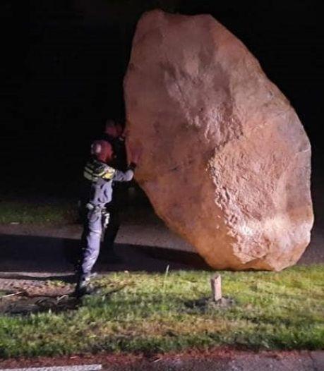 Opmerkelijke oproep politie: wie is dit rotsblok kwijt?