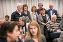 Het bestuur van HaarenEEN in 2017 op de eerste bijeenkomst in Den Domp. Tweede van rechts staand Adrienne Verschuren.
