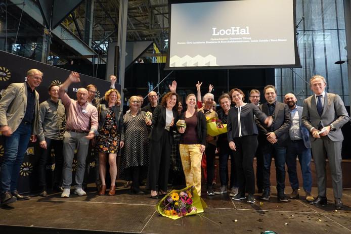 Een 'geweldig gesamtkunstwerk' aldus de jury over de Lochal. Alle betrokken partijen bij de uitreiking van de publieksprijs.