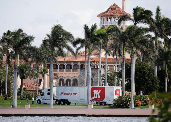 Een volle verhuiswagen kwam vorige week toe aan Mar-a-Lago, de club van Trump in Florida.