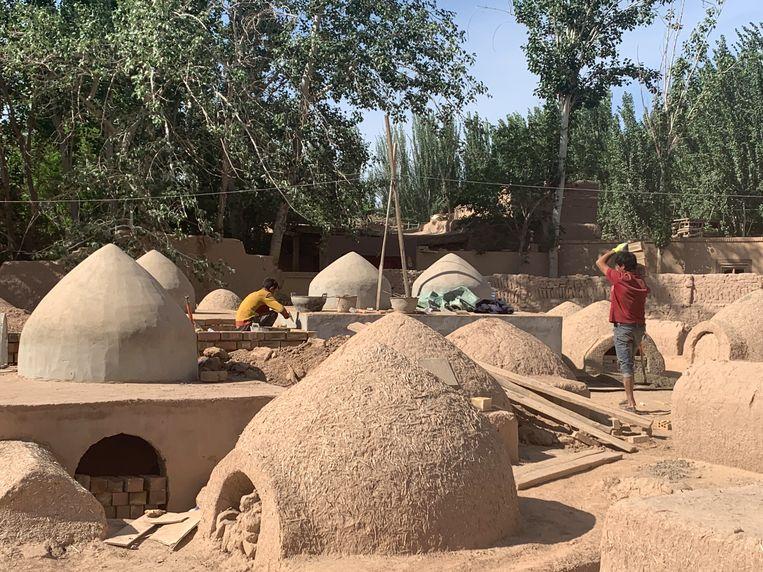 De Oeigoerse begraafplaats in het dorpje Ahong Mailisi. Beeld Eefje Rammeloo