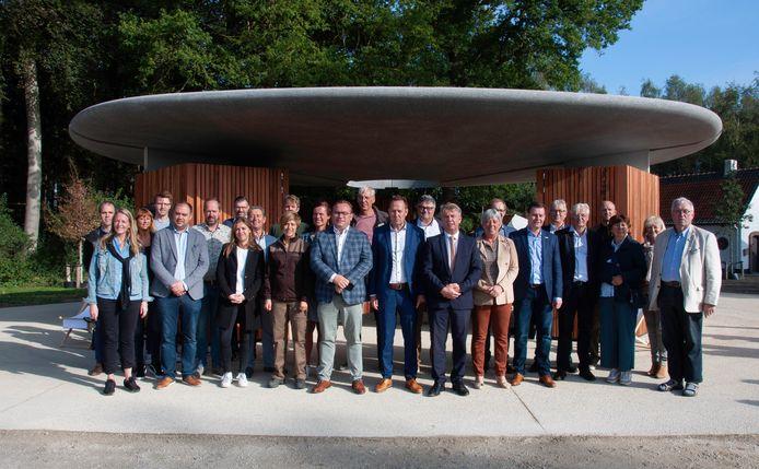 Er zijn heel veel partners betrokken bij de realisatie van de nieuwe parking met onthaalgebouw in Bulskampveld, Beernem.