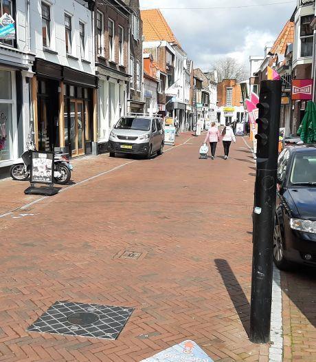 Geen automobilist glipt straks nog onbespied door  Harderwijks winkelgebied: introductie van camera's