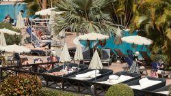 Duitsland aan begin van corona-epidemie, eerste besmettingen in Noorwegen en Roemenië, Belgische hotelgasten Tenerife moeten 2 weken in isolatie blijven