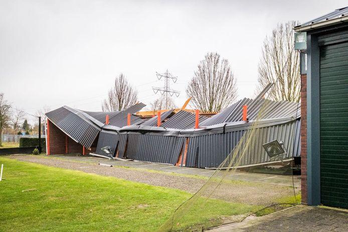 Stormschade bij de Golfschool in Geldrop.