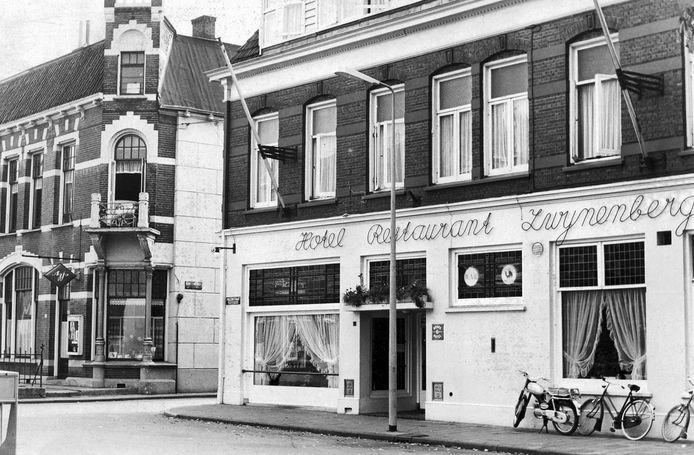 Voormalig hotel Zwijnenberg in Enschede, onderkomen van een homobar, eind jaar 60, begin jaren 70.