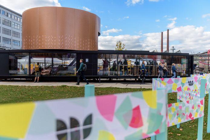 Ducth Design Week op het Ketelhuisplein op Strijp-S