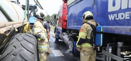 Vrachtwagen in Eemnes vat vlam, N414 tijdelijk afgesloten