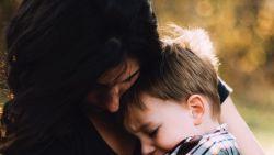 Dag 8: Maak gelukshormoon aan door  te knuffelen