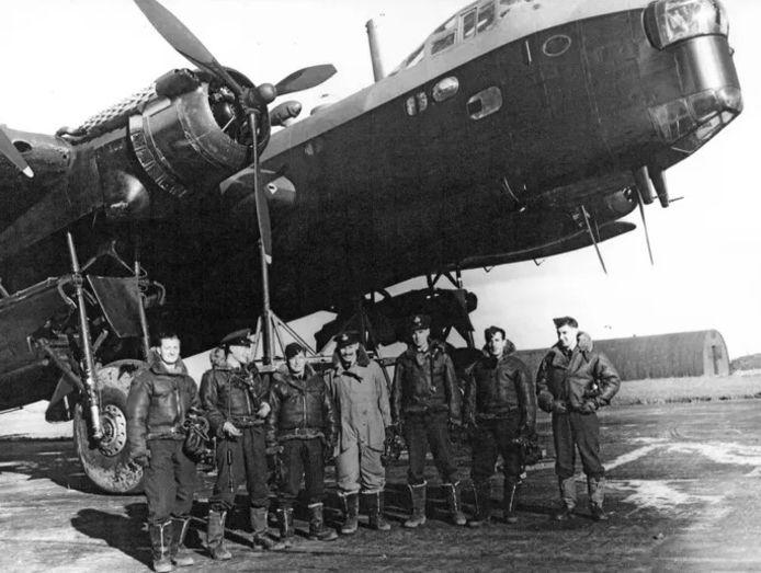Alle bemanningsleden van de Short Stirling BK716 zijn bij de crash om het leven gekomen.