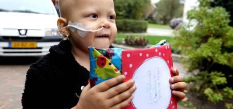 Duizenden pakjes en een politiehelikopter krijgt zieke Eva (3) op haar verjaardag
