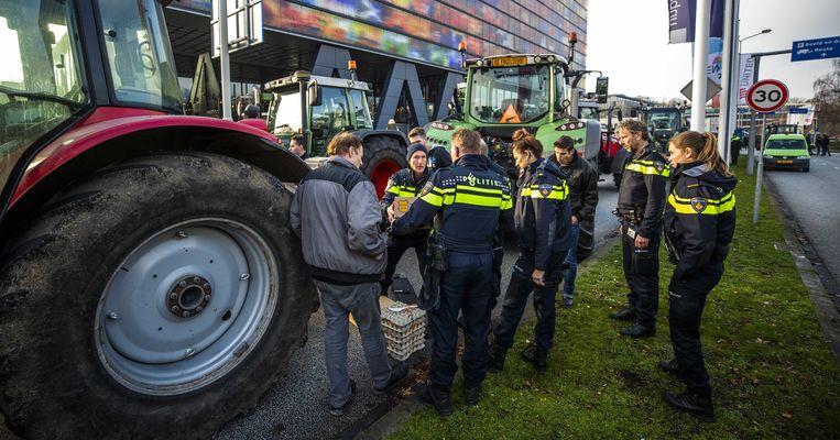 NOS-hoofdredacteur Marcel Gelauff heeft aan de boeren uitgelegd dat de redactie zelf gaat over wat ze uitzendt en niet de boeren.