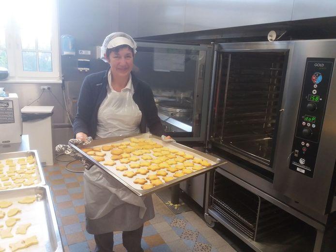 Leerlingen Sint-Franciscus verkopen koekjes voor Rode Neuzen Dag