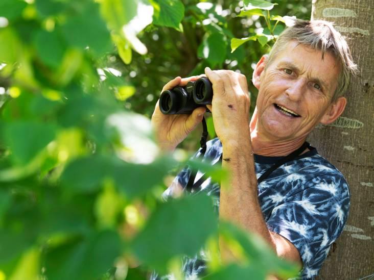 Willy organiseert natuurtochten voor Herwijnense jeugd: ,,We zoeken konijnenkeutels en voelen aan bomen''