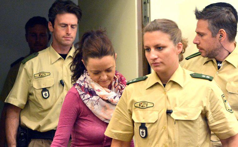 Neonazi Beate Zschaepe in de rechtszaal. Beeld ap