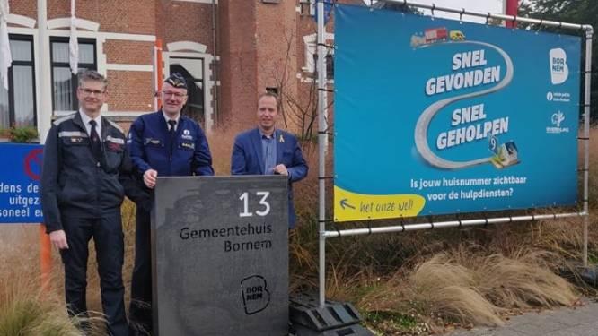 """Bornem start campagne rond zichtbare huisnummers: """"Voor hulpdiensten telt elke seconde"""""""