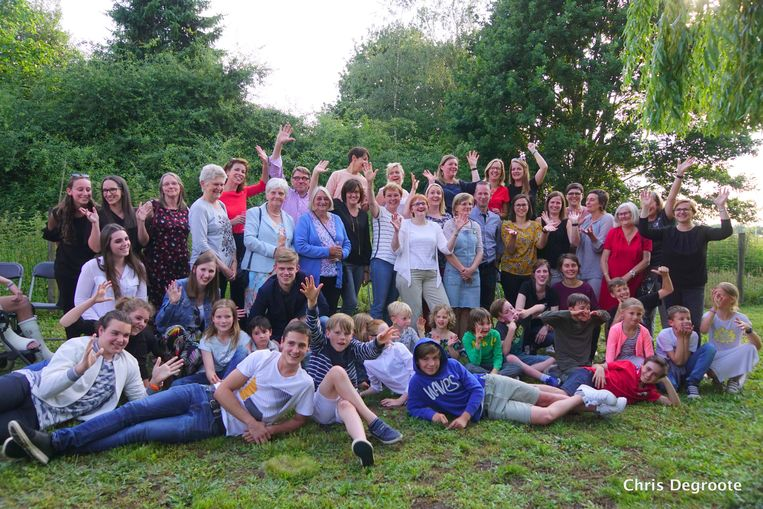 De leerkrachten, oud-leerkrachten/medewerkers en (ex-)leerlingen van Landuit.