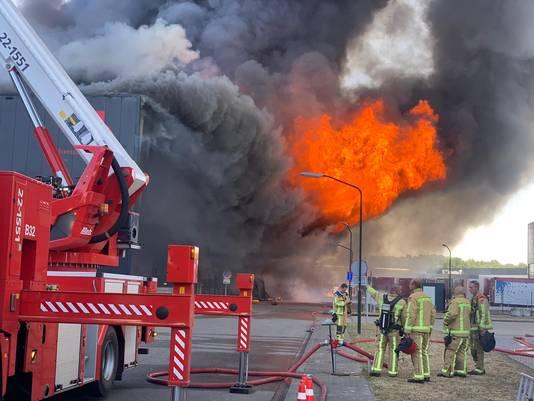Nadat de brand weer oplaaide, kwam er een enorme vuurzee in Hapert.