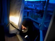 Dief laat 59-jarige bewoner gewond achter na woningoverval in Scheveningen