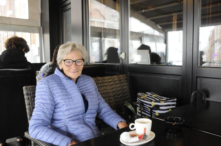 Ria Beinens genoot van haar koffietje op het terras van de Bar-Bier.