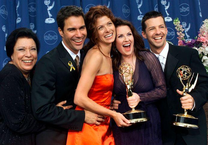 Shelley Morrison (links) met de hoofdcast van 'Will & Grace'.