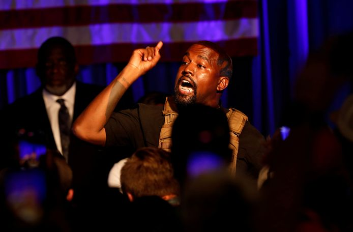 Kanye West op z'n eerste presidentsrally, waarop de bom barstte
