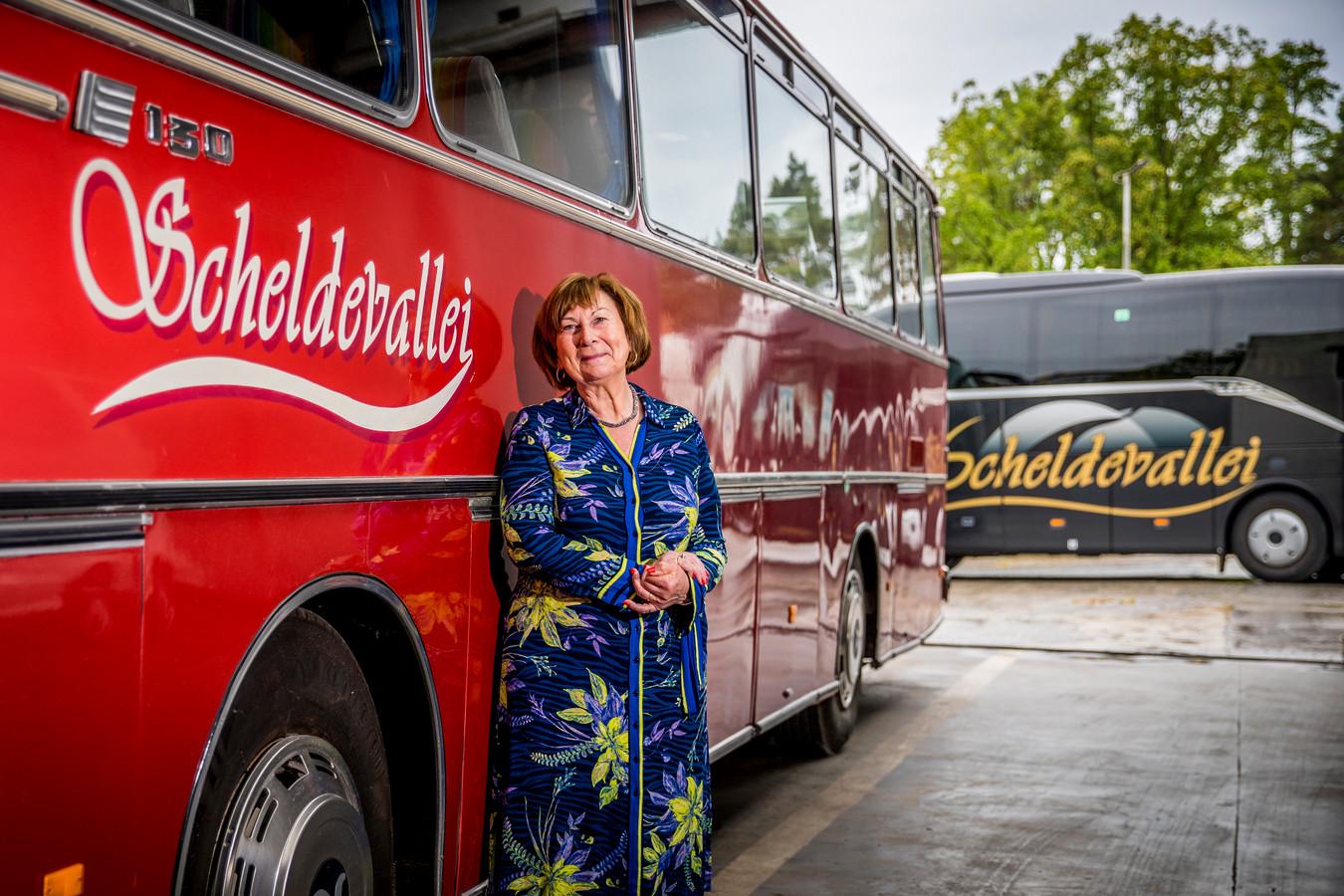 Lydie Ghyselinck, zaakvoerster autocarbedrijf en reisbureau in Oudenaarde.