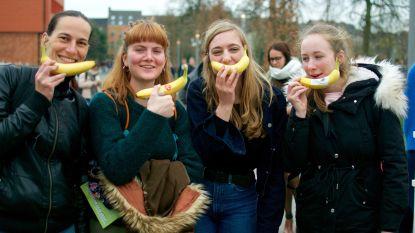 "VIDEO. ""Gaan met die banaan"", studenten krijgen op speelse manier tips om hun mentale weerbaarheid te trainen"