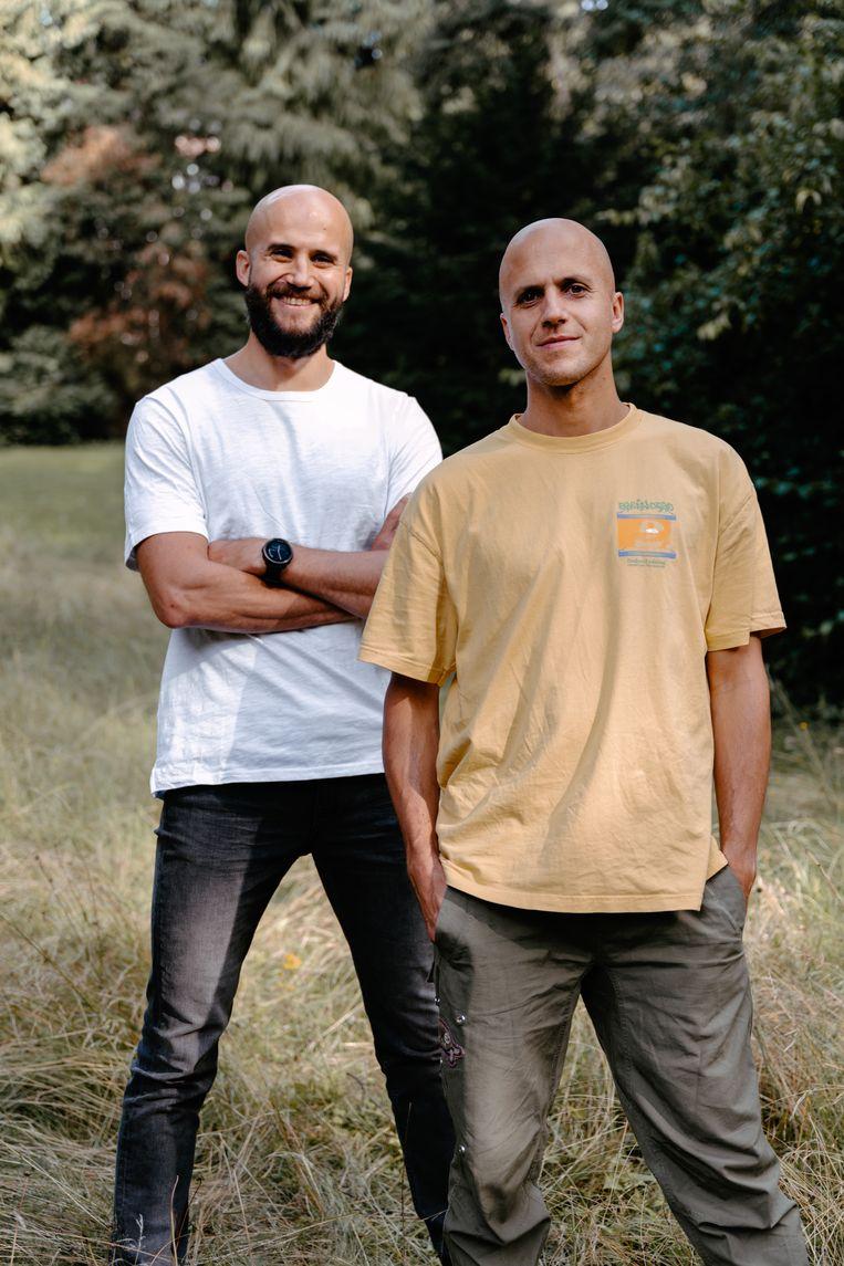 Jonathan (rechts): 'Na het middelbaar ben ik een jaar op uitwisseling naar Californië getrokken, en toen had ik Bram geschreven: 'Als ik terugkom, gaan wij beste vrienden worden'.' Beeld Damon De Backer