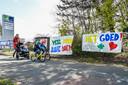 Spandoeken aan de ingang van de spoedafdeling van Sint-Blasius om het personeel te steunen.