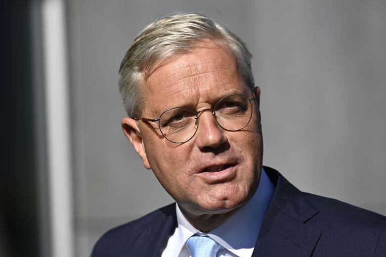 Oud-milieuminister Norber Röttgen geldt als de progressieve outsider.  Beeld AFP