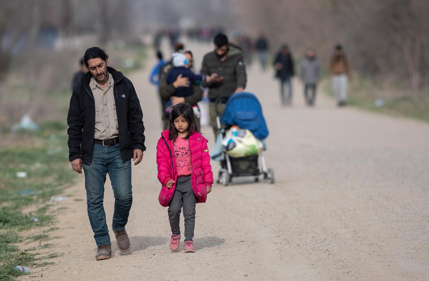 Vluchtelingen in maart 2020, dicht bij de grens van Griekenland, in Edime, Turkije.