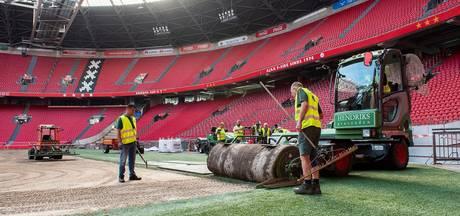 Leggen van nieuwe grasmat Johan Cruijff Arena live te volgen