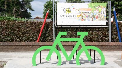 Veiliger de weg over dankzij felgekleurde fietsen: gemeente neemt Rechtestraat onder handen