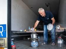 Truckers krijgen bonnen voor douche en diner van Helmonds bedrijf en Astense truckstop