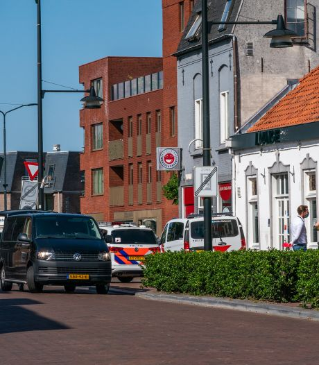 De buit van de actie in de Helmondse binnenstad: vijf aanhoudingen, verkeersboetes en drugs, geld en auto in beslag genomen