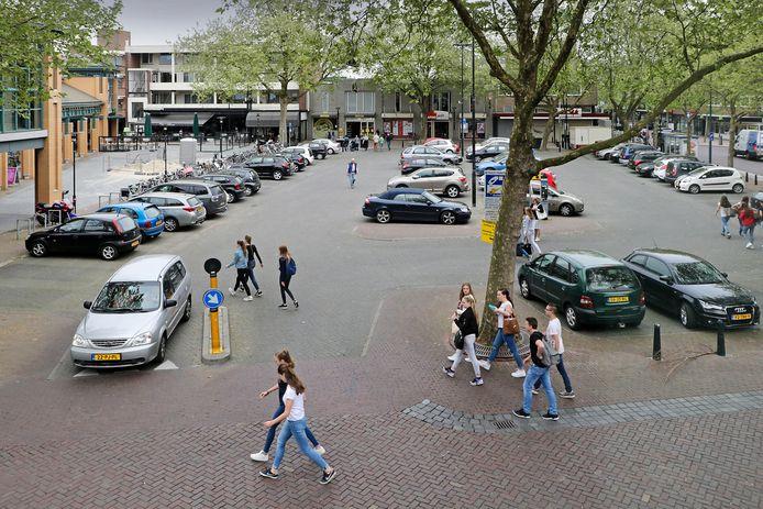 Het parkeerterrein aan De Wal.