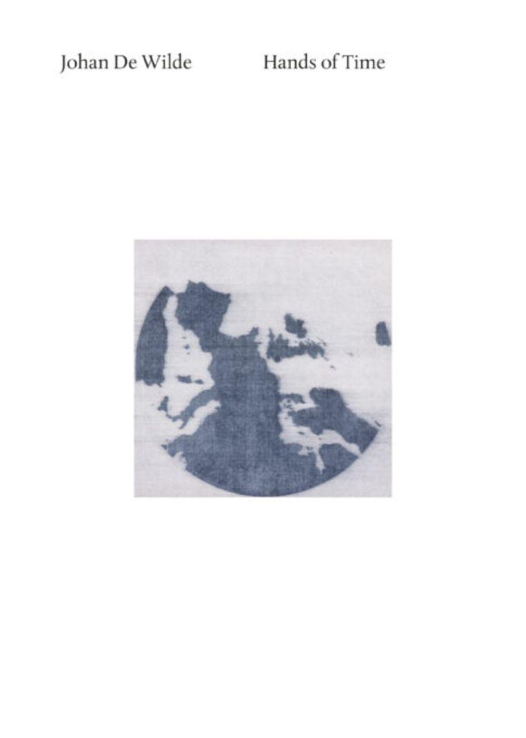Johan De Wilde, Hands of Time – Pars pro toto, met teksten van Hans Theys, Philippe Van Cauteren, Luc Derycke, MER & Borgerhoff & Lamberigts, 2021, 39,90 euro. Beeld RV