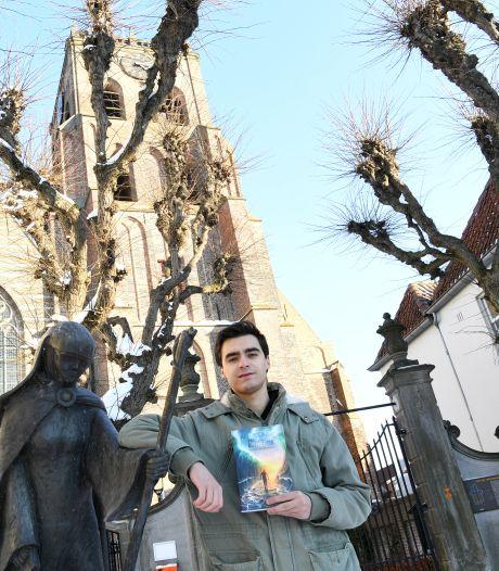 Fantasy-schrijver Nick Eberhard creëert een wereld met magie, verraad en liefde