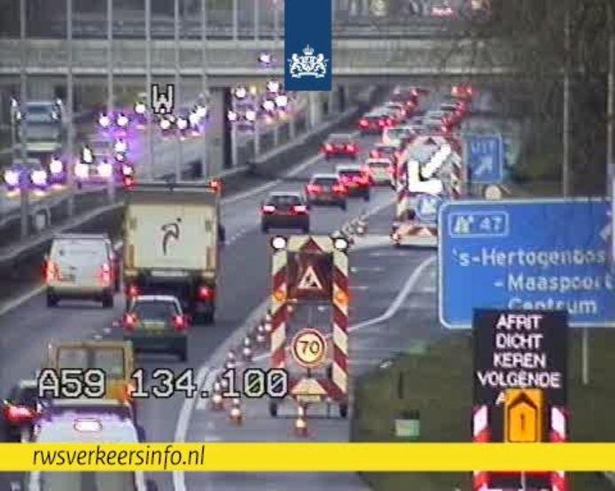Afrit Den Bosch Maaspoort afgesloten door gevaar omvallen bomen