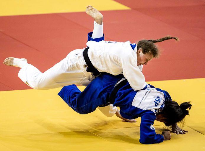 Sanne Vermeer (wit) in actie op het EK in Lissabon vorige maand.