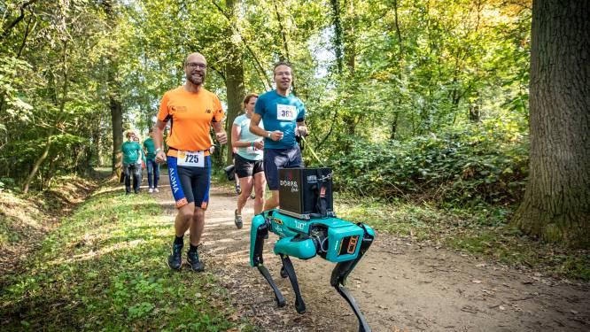 Wat deed deze gekke robot tijdens de Landgoed Twente Marathon?