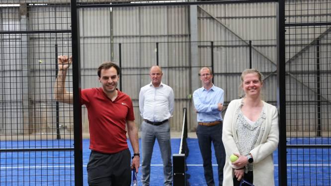 """Na Finse piste, petanqueveld en boomgaard legt energiebedrijf Vyncke nu ook padelterrein aan voor personeel: """"Zelfs hun familie en vrienden mogen komen spelen"""""""