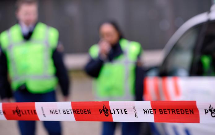 2012-11-19 12:25:52 ILLUSTRATIE - Een afzetting van de politie bij een plaats delict. ANP XTRA LEX VAN LIESHOUT