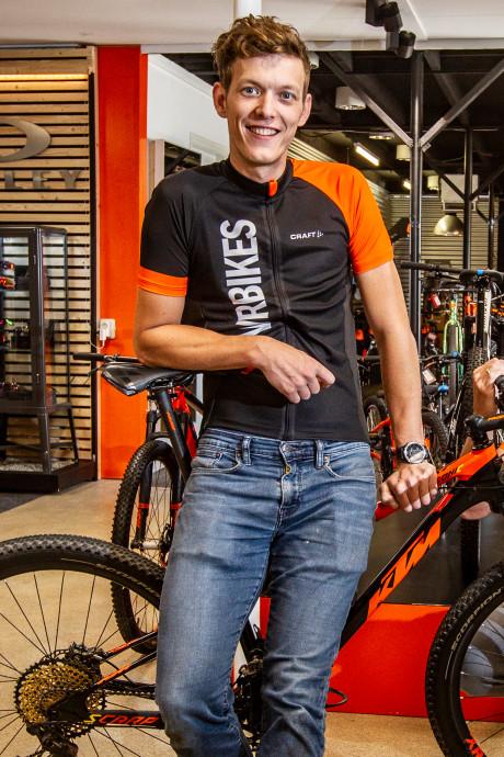 Sallands duo fietst de wereld over om 'legende' te worden